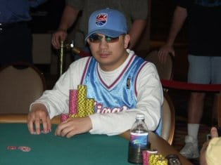 JC Tran is the Chipleader at the 2013 WSOP November Nine
