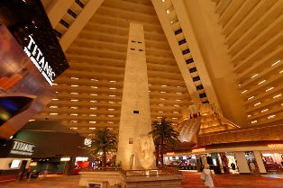 Pyramid Hotel in Las Vegas: All About the Luxor, Including Height