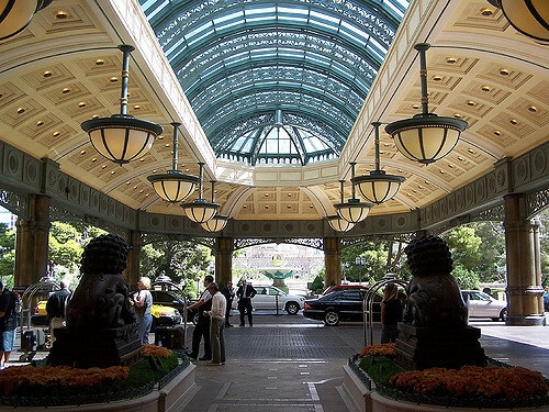 The front valet parking area at the Bellagio