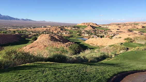 The golf courses in Mesquite are about 86 miles from the Las Vegas Strip