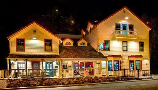 The small, but charming Golden Gulch Casino