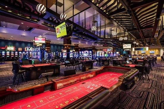 The Isle Casino Hotel in Bettendorf has 908 slots & 16 table games.
