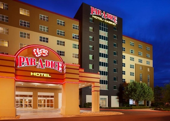 The Par-A-Dice Casino in Peoria has a 208 room hotel across the street