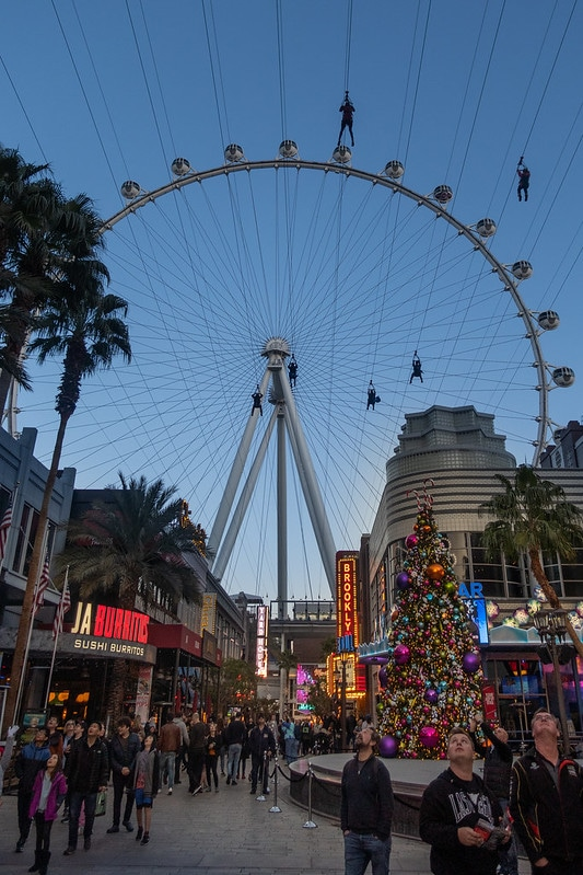 The View of the FlyLinq from down on the Linq Promenade