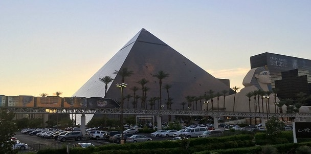 There isn't parking in front of the Luxor - these are some cars that have been valet parked.