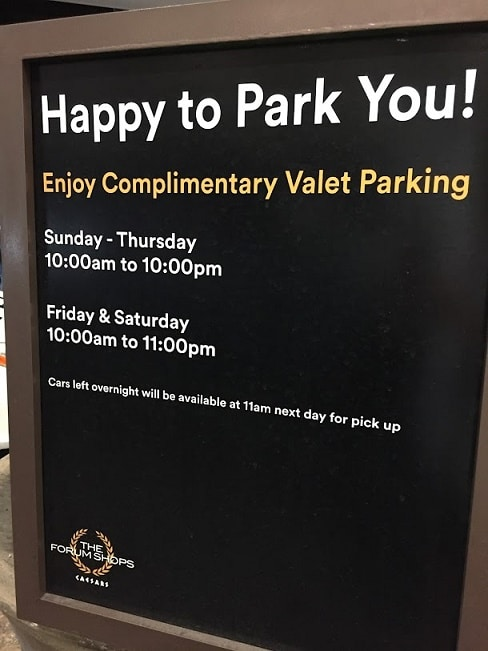 Unlike the other valet areas at Caesars Palace, valet parking at the Forum Shops is free.